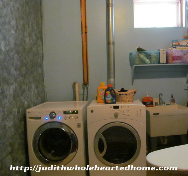 Laundry Room Makeover on Less than a Dime